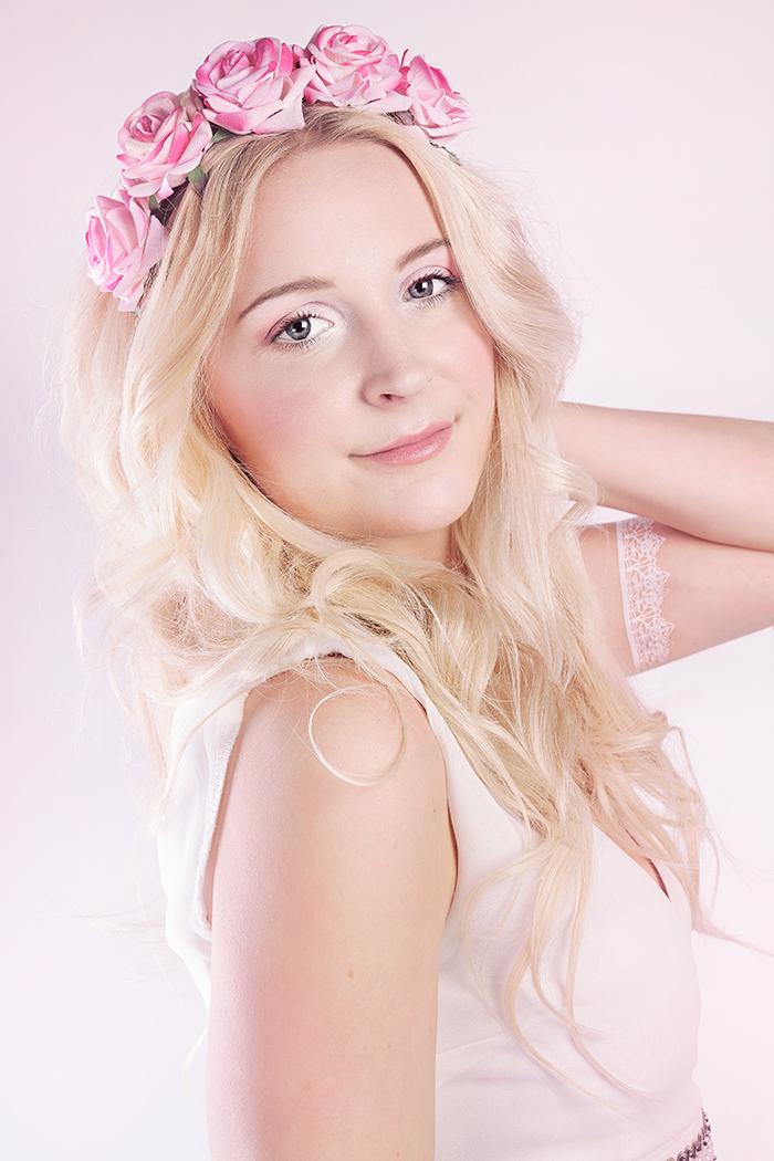 clara_mizzy_photoshoot_mars_2016_springpink_roses_7_webben