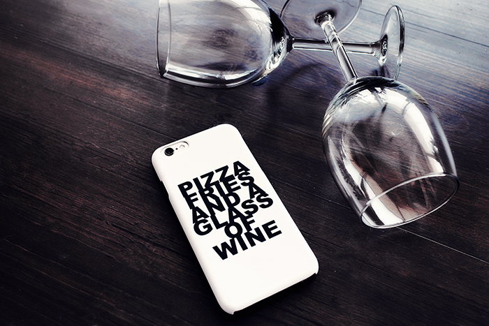 idiwa_lyx_designskal_iphone66s_pizza_fries_a_glass_of_wine_1_webben